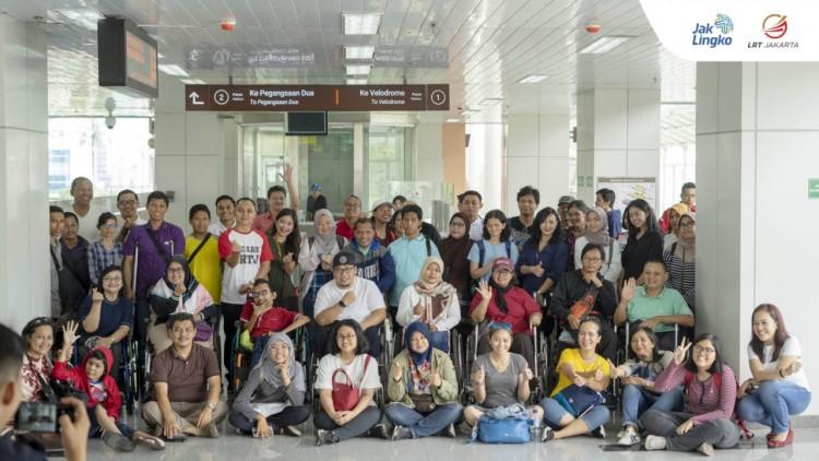 Menjajal LRT Jakarta Bersama JBFT,  Transportasi Publik Ramah Disabilitas