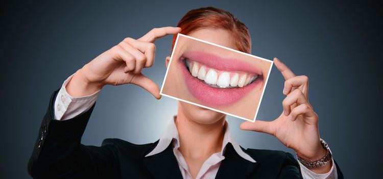 Good Smile Itu Tak Hanya Gigi Terlihat Indah Tapi Juga Sehat