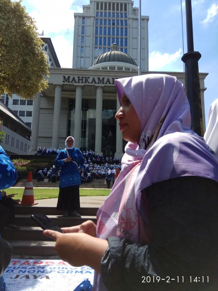 Guru PAUD Non Formal Tuntut Kesetaraan Ke MK Tau Dari Blogger - TDB