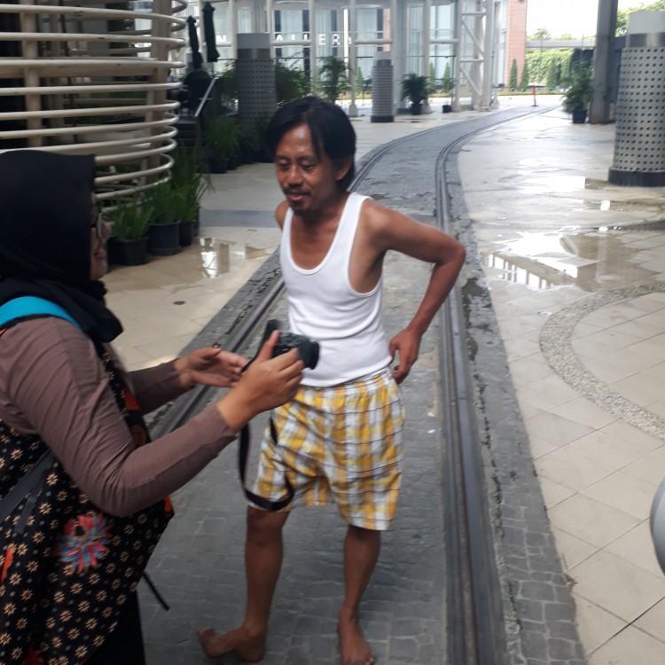 Menikmati Kekocakan Murad dan Pipit (Review Film : Preman Pensiun)