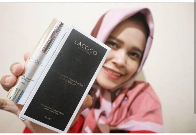 Review Eye Serum untuk tampak awet Muda dengan Lacoco