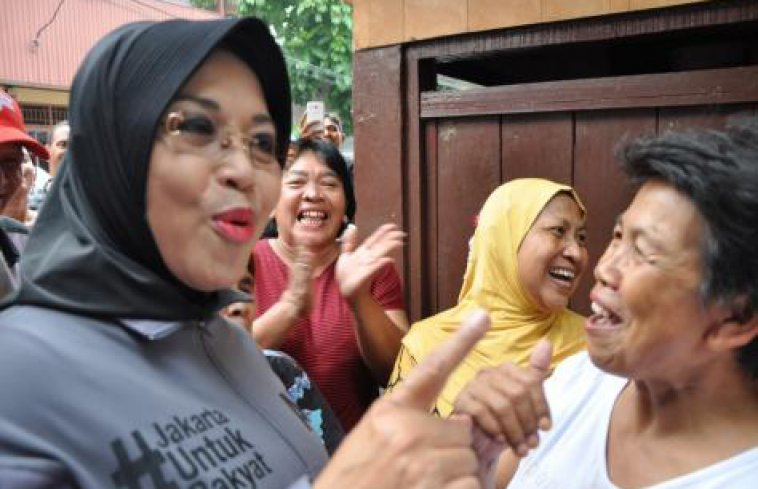 Warga gembira Mpok Sylvia Kunjungi Pasar Kwitang